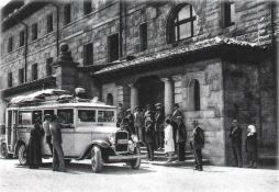 Servicio diario Ontaneda - Burgos. Parada en el Gran Hotel