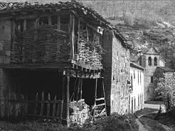 El seto y la piedra. Cuadra y pajares en Cejancas
