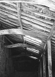 Las estructuras de madera. Portalón en Corconte