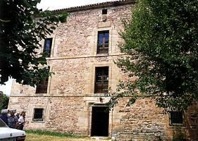 Fachada principal de la casa de  Don Luis de los Ríos en Naveda (1777-1780)
