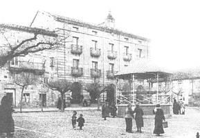 Plaza de la Constitución y Ayuntamiento. 1916
