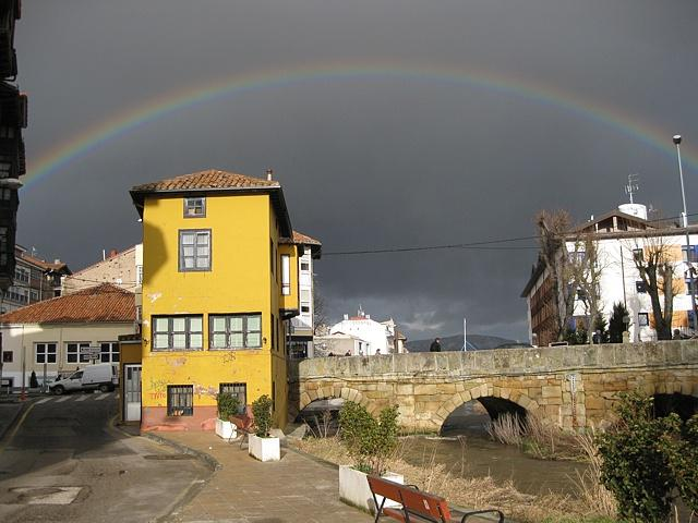 arco iris semicircular